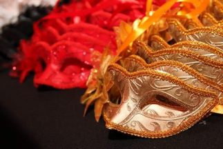 A beautiful mask for every guest